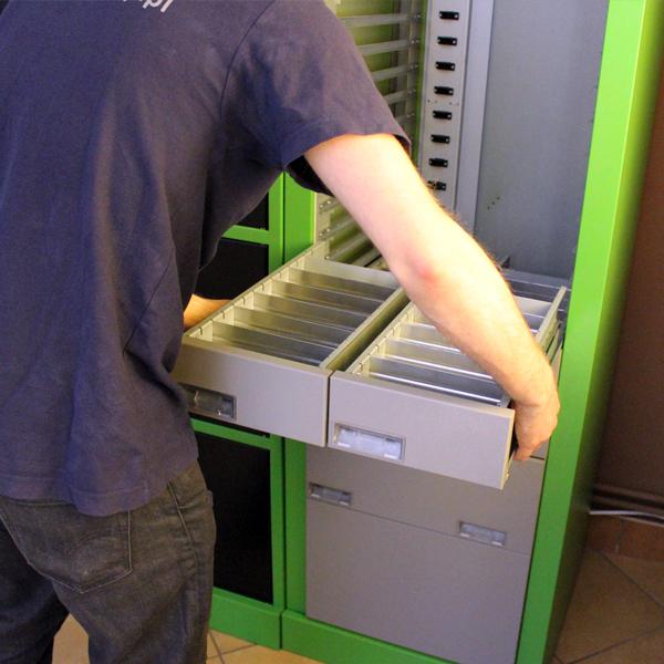 montaż automatu szufladowego